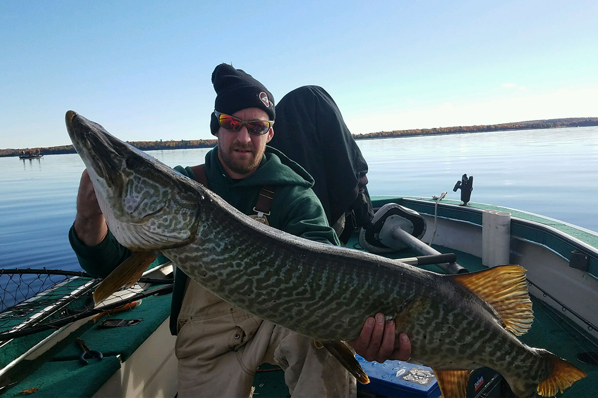 Midwest musky classic fishing tournament northern for Wisconsin fishing tournaments